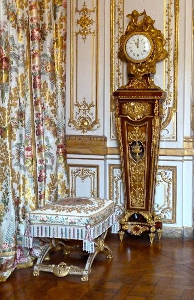 17 images about versailles a l 39 int rieur des grilles de for Chambre louis xvi versailles