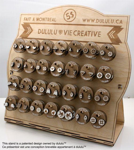 Présentoir à petits bijoux de bois + 80 paires de boucles d'oreille on Etsy…