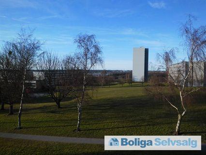 Grøndalsvej 66, 2. 2., 8260 Viby J - Stor lejlighed med fantastisk udsigt til Brabrand sø #ejerlejlighed #ejerbolig #viby #selvsalg #boligsalg #boligdk
