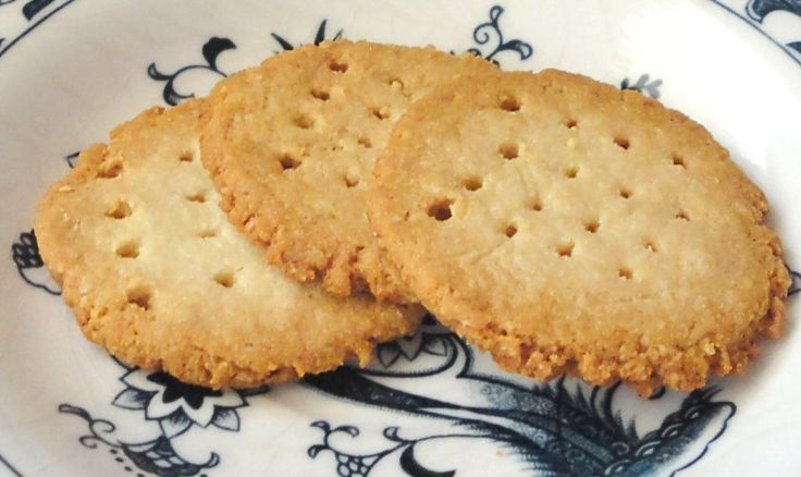 Butter Cookies - very tender, almost shortbread-like cookie and only 2.5g Net Carbs per 4 cookies or .5 per cookie