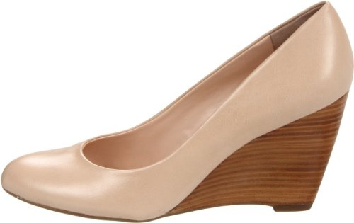 29cdfe659a54 Franco Sarto Women s Helio Wedge Pump.