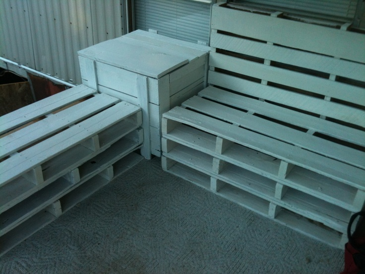 Crate and pallet bench seating