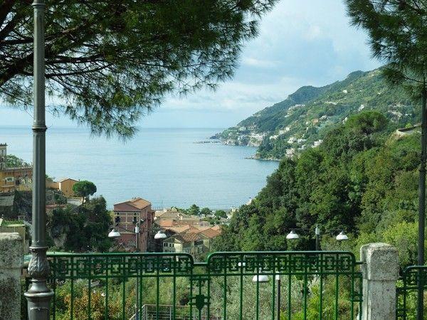 День четвертый, п лан такой: мы едем из Неаполя в Амальфи на автобусе, из Амальфи - в Равелло, из Равелло возвращаемся в Амальфи и, в зависимости от времени, едем по…