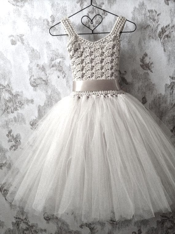 This dress is so pretty