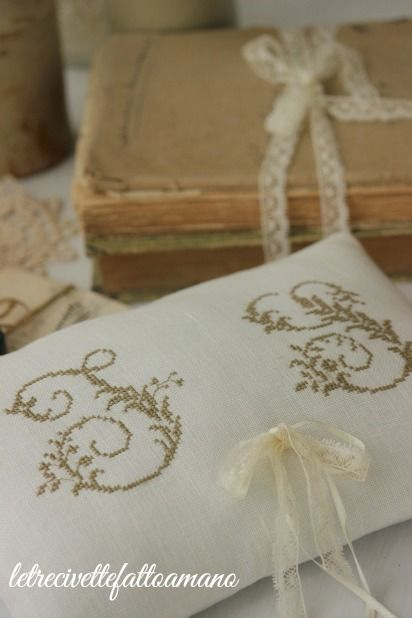 letrecivette: Wedding day:sposi d'Inverno ring pillow cuscino fedi