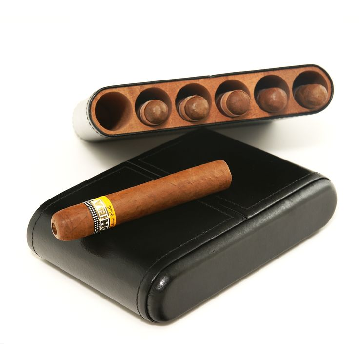 This humidor makes a great desk top or perfect travel humidor. Able to store up to 6 Chruchill cigars. Kiln dried Spanish cedar.