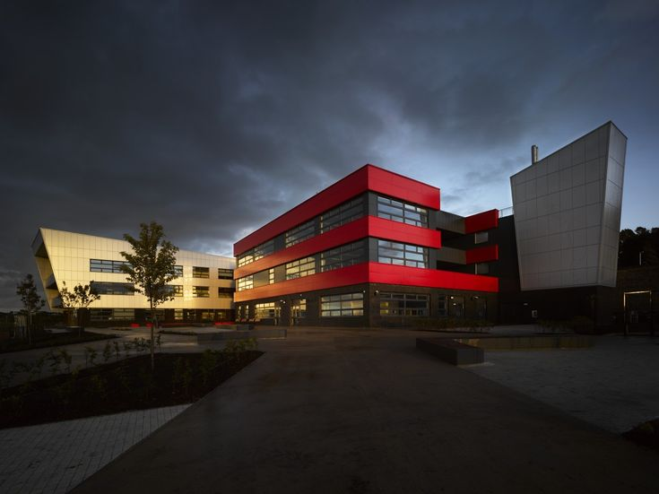 Blackburn Central High School / Nicholas Hare Architects
