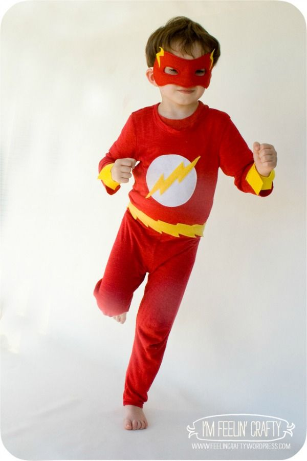 DIY Flash Costume by I'm Feelin' Crafty