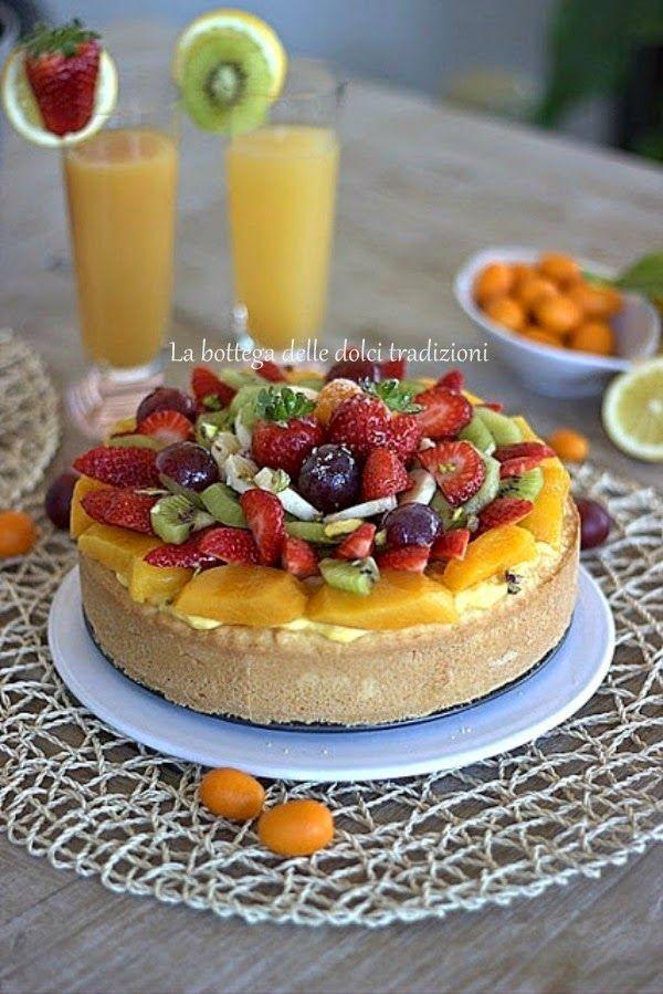 Crostata frangipane alle mele e frutta fresca