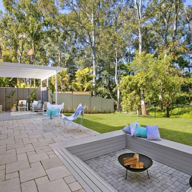 Amber Tiles Kellyville: St Tropez concrete paver, French pattern, Tumbled bluestone by Sydney Grandscapes #concretepavers #naturalstone #tumbledbluestone #patio #ambertiles #ambertileskellyville
