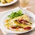 Un secondo piatto a base di uova semplicissimo da preparare, ideale per i pranzi e le cene d'estate. Prova la ricetta di Sale&Pepe.