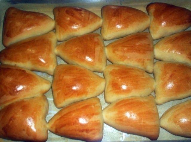 Esfiha de Carne Fechada - http://www.mytaste.com.br/r/esfiha-de-carne-fechada-27542700.html