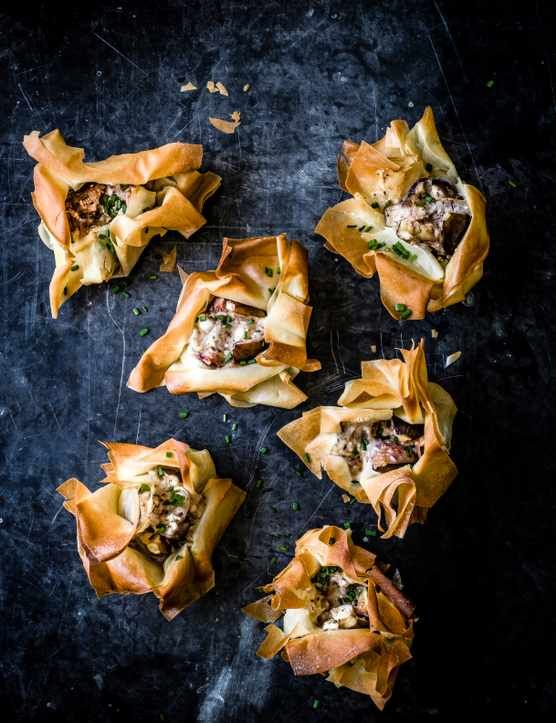 Check out our vegetarian recipe for crunchy filo-baked fresh figs stuffed with peppered goat's cheese. This recipe makes an awesome little nibble or starter that's really easy to make