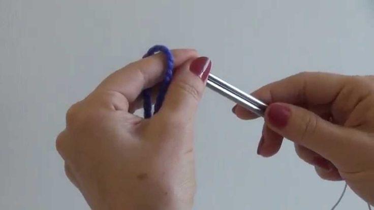 Магический набор петель Джуди. Джуди Бекер разработала этот способ набора начального ряда петель для вязания носков от мыска. Но его можно с успехом использовать и для вязания многих других вещей: варежек, сумок, некоторых моделей шапок и т. д. При этом наборный ряд совершенно не заметен на готовом изделии.