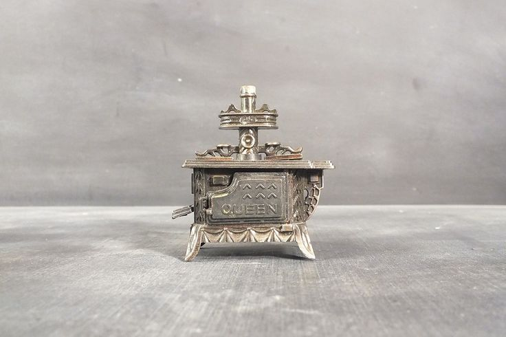 Vintage Die cast Metal Miniature Pencil Sharpener Antique Queen Stove picclick.com