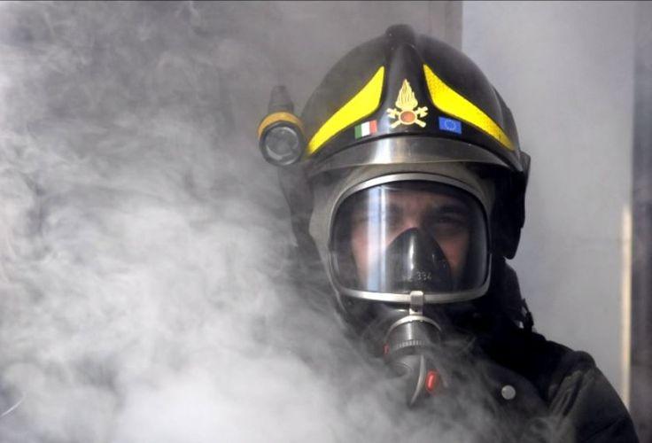 CRESCENTINO (VC). Incendio in un condominio:  7 intossicati, 40 evacuati
