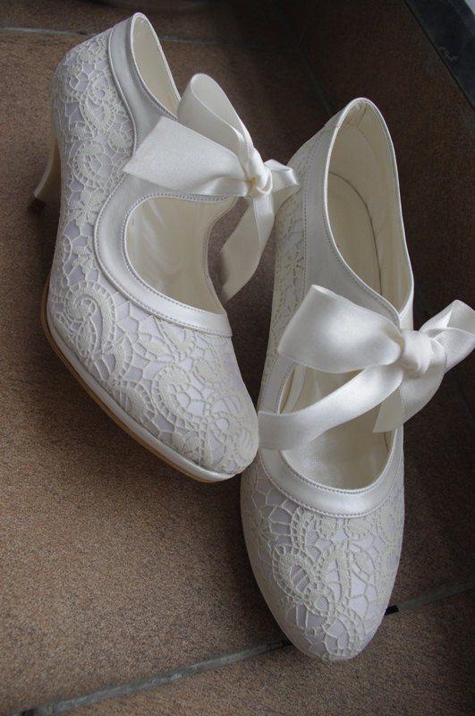 jolies_chaussures_escarpins_mariee_dentelle_noeud