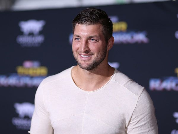"Tim Tebow Photos - Professional football player Tim Tebow at The World Premiere of Marvel Studios' ""Thor: Ragnarok"" at the El Capitan Theatre on October 10, 2017 in Hollywood, California. - The World Premiere of Marvel Studios' 'Thor: Ragnarok'"
