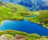 Wallpaper superb cu lacul Capra din muntii Fagaras in diferite dimensiuni : 1024x768, 1280x800, 1366x768, 1920x1200