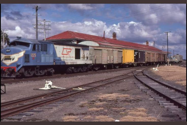 Today's historic pic: QR loco 1225 with a freight train at Wallangarra, Qld, August 4 1985. 1225 was a one-off that ran for only 3 or 4 yrs.