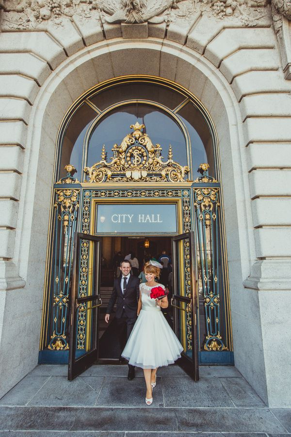 Posing for Portraits Outside San Francisco City Hall | IQphoto Studio | See More! http://heyweddinglady.com/a-chic-san-francisco-city-hall-elopement-from-iqphoto-studio/