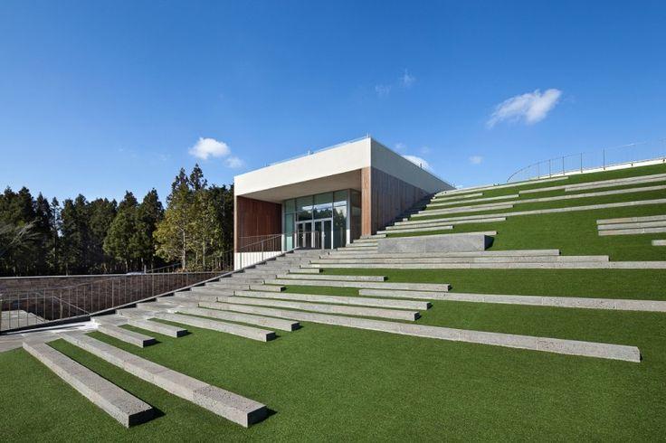 roof garden slope south korea landscape architecture landarchs green roof amphitheater the forum D-LIM Architects golf course concert entertainment outdoor building design