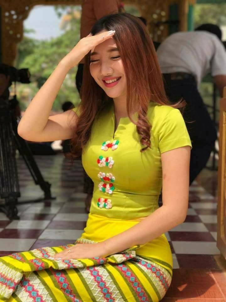 7bf701651 Pin by Karina Renee Casarez on Burmese Days in 2019 | Myanmar traditional  dress, Myanmar dress design, Myanmar women