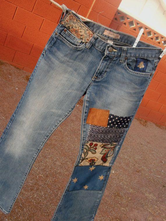 Diseñador había parcheado Abercrombie & Fitch Jeans. ¡ DIVERSIÓN! algodón/spandex. Tamaño de 2S, 29 cintura, 29 en costura. Algodón/spandex, boot-cut. Estrellas, ante & parches florales y un FLY de seda especial en el bolsillo superior. Tire de su suéter favorito, botas o tacones - y usted está listo para despegar!    Envío gratis dentro de los Estados Unidos. PAYPAL sólo en este momento.