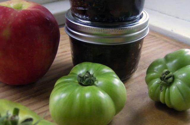 Green Tomatoes and Apple Chutney - Foodista.com