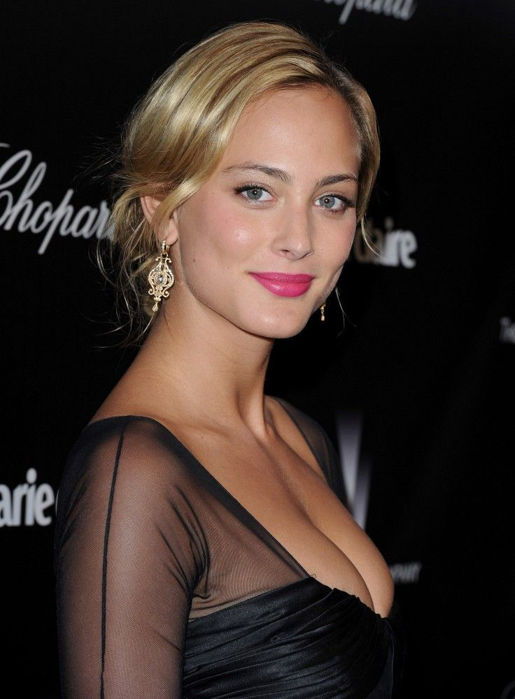 Nora Arnezeder | hair + lip colour