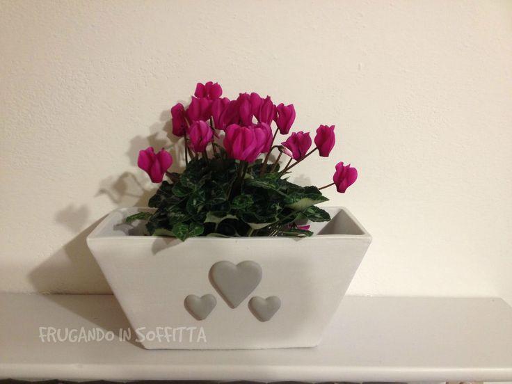 vaso in coccio stile shabby con decorazioni in pasta gabrylea