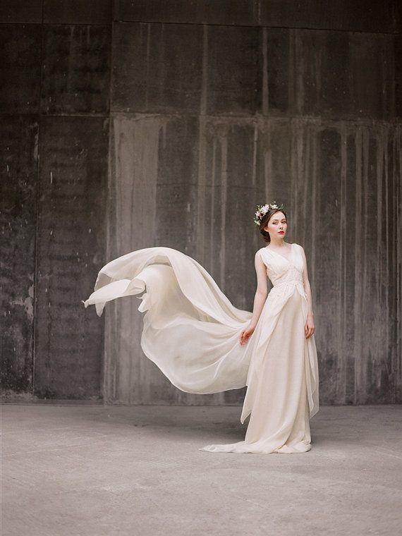 Zlata / Flowy ariosa sposa abito  abito da sposa di Milamirabridal