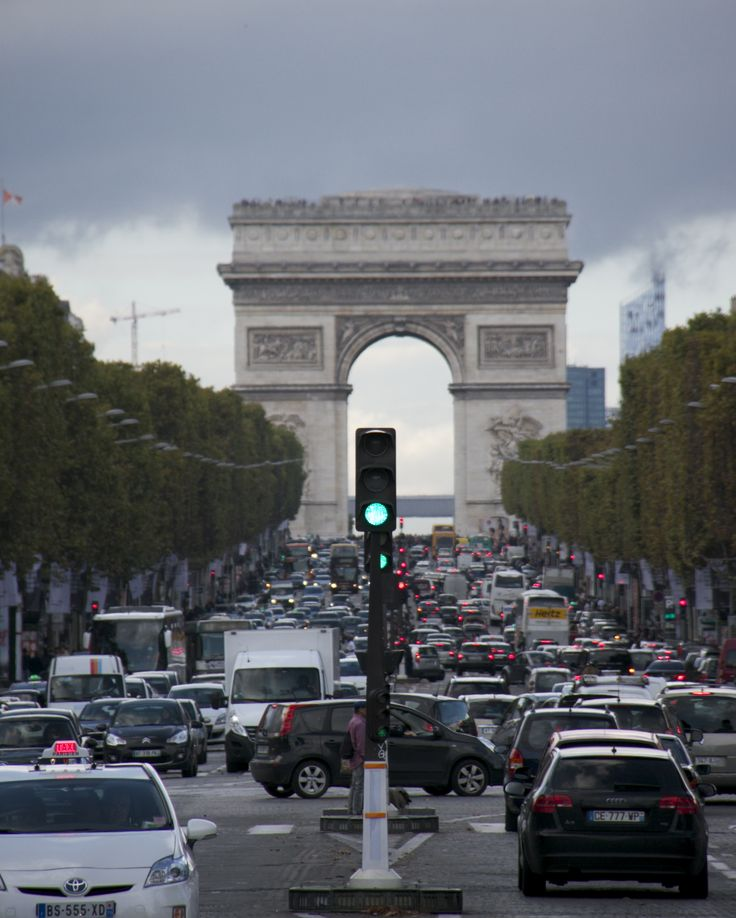 Going to the Arc de Triomphe. A bit of traffic.