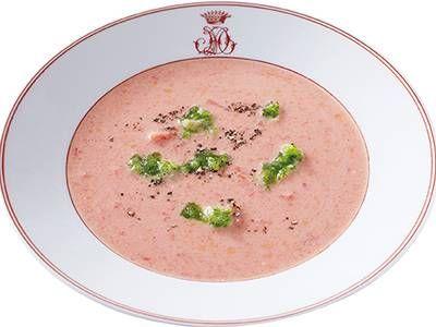 ガスパチョ風トマトスープ | 「ガスパチョ」はたくさんの野菜でつくるスペインの冷製スープです。トマト缶にヨーグルトを加えると少ない材料でも味が広がります。