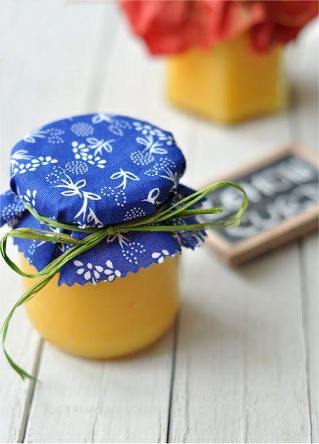 Citromkrém, az angolok kedvence. Én meg lélekben angol vagyok félig, tutira. Szóval a narancsos verzió után itt van a lemon curd is....