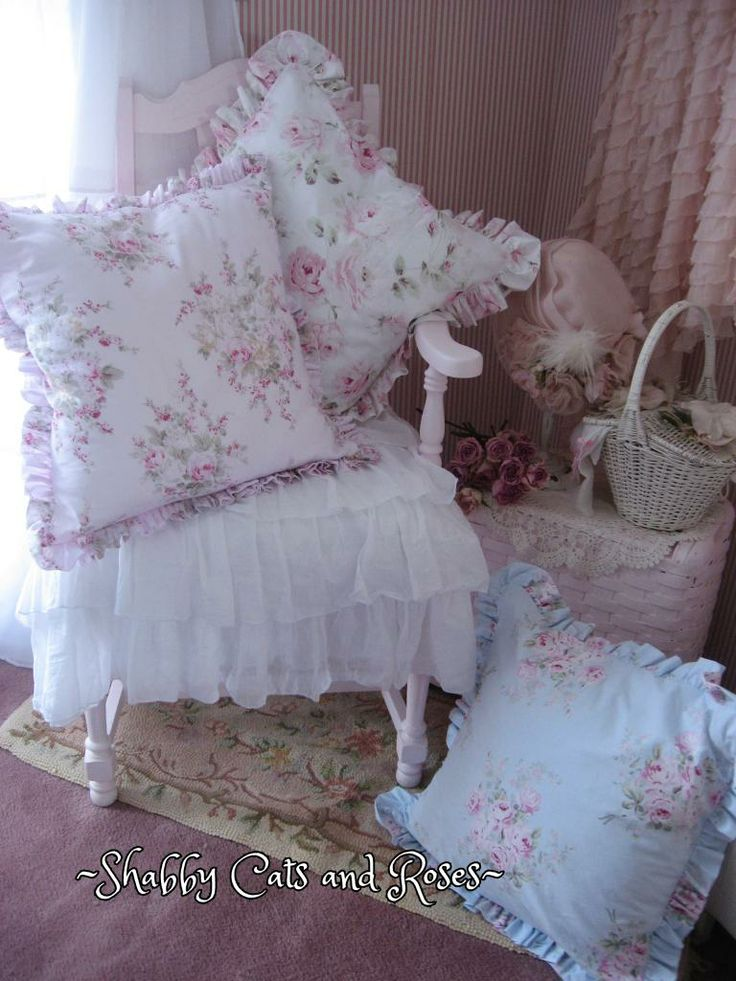 Shabby Chic Pillows Diy : 76 best Princesses images on Pinterest Kid outfits, Children dress and Girl outfits