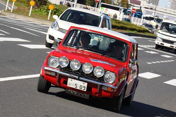イギリスに本部のある「HRCR」(Historic Rally Car Register)のメンバーによる、FIA規定に基づいた、速さではなく走りの正確さを競うロードラリーを体験する「ロードラリー同乗体験」も行われた。ルートは会場周辺のみなとみらい地区で、車両は数台が用意された。これはワークスラリー仕様に仕立てられた「ミニ・クラブマン1275GT」。