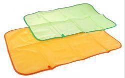 Курносики клеенка детская 48х68см 0+, арт. 19533  — 183р. ------ Клеенка непромокаемая и мягкая, может использоваться при массаже и смене подгузников, стелется на пеленальный столик, в кроватку или коляску.