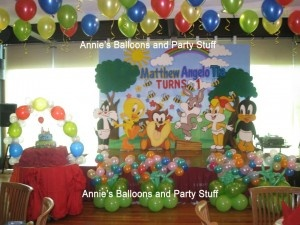 I had to repost this one! It has Angelo's name on it <3 Looney Tunes Theme Balloon Decor Set