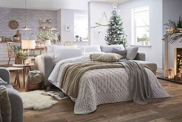 Small spaces can still be magical places at Christmas time. From sofa to bed in no time! Your guests can still have the best night sleep - just make sure they don't disturb Santa! #FlavoursofXmas Lydia: http://www.dfs.co.uk/lydia/lyd5zalda