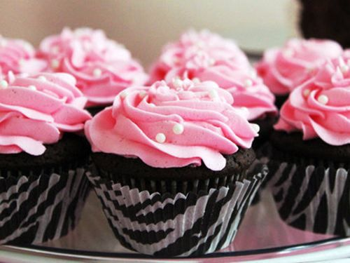 not even a big cupcake fan, but I could be tempted by these...