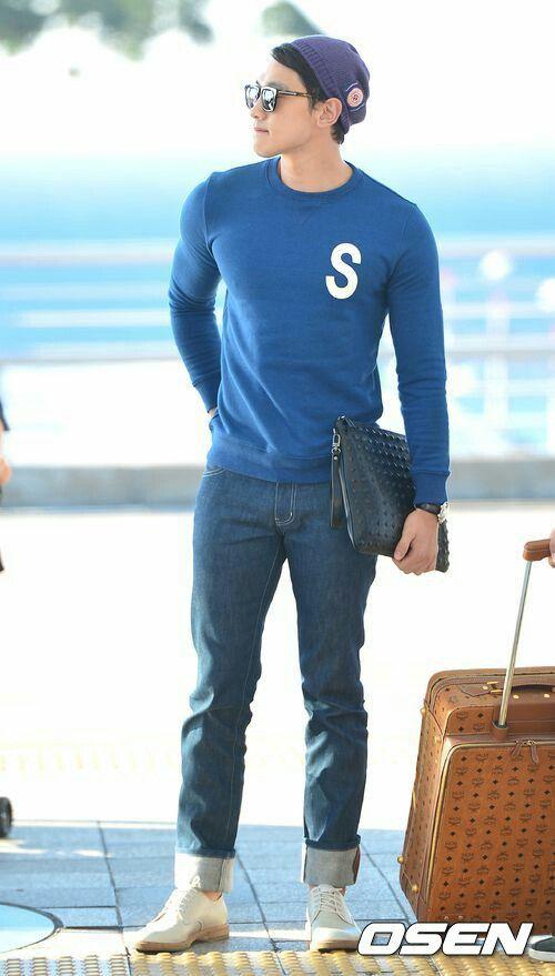 Bi Rain fashion airport sooo cool