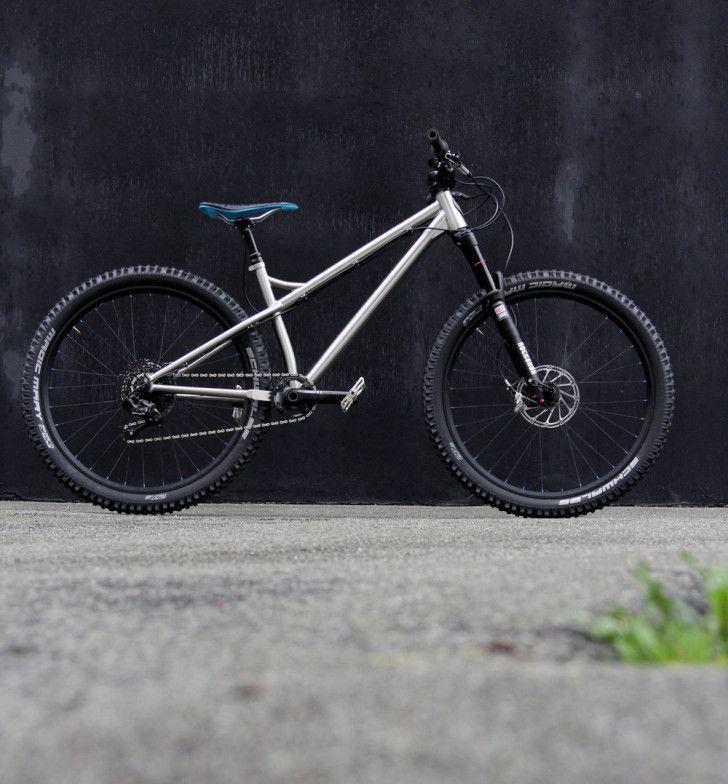 Vendetta 2 the  trail weapon of choice from Kingdom Bike  #kingdombike #handmade #titanium #650b #bikeporn http://kingdombike.com/en/ti_bike/2015-vendetta-2