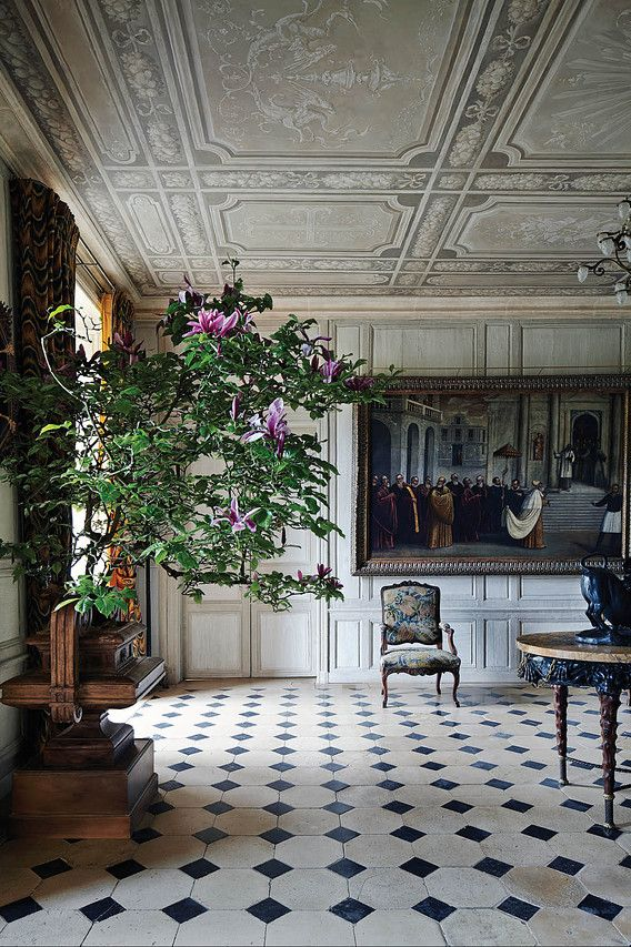 Famed Interior Decorator Juan Pablo Molyneux Transforms a French ...