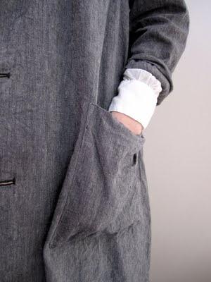 Grey coat | Big pockets | White cuff | ARTS & SCIENCE SPRING / SUMMER 11