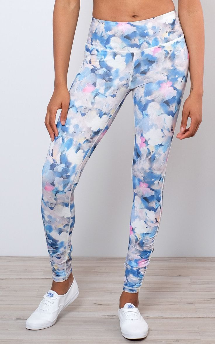 Mono B / Shirring Accent Floral Athletic Leggings