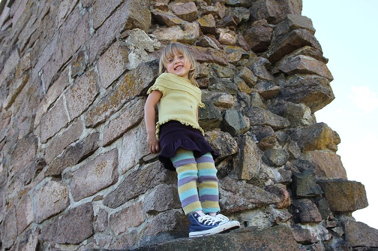 Skirtypants with ruffle vest - Pickles, Size 7-8 free pattern (other sizes for sale via website)