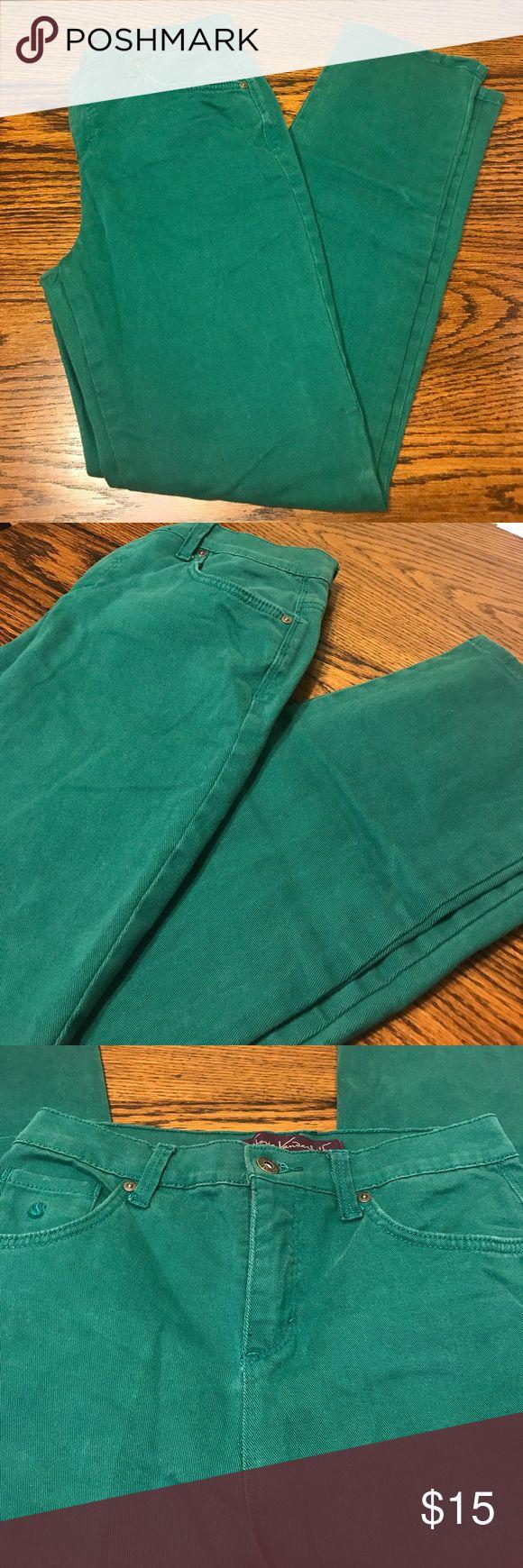 "Gloria Vanderbilt Amanda Teal Jeans Sz 4 Short Gloria Vanderbilt Amanda Teal Jeans Sz 4 Short. Waist 28"" inseam 29"". Like new condition. Very cute and stylish! Gloria Vanderbilt Jeans Straight Leg"