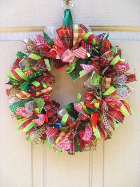 Ribbon Wreath   ribbon wreath by Ladybumblebee - krans met reepjes stof