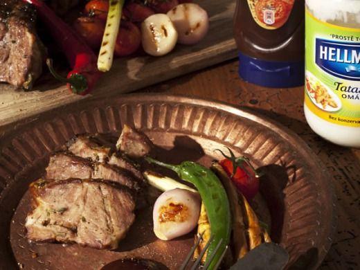 Marinovaná vepřová krkovice v bylinkové marinádě + Barbecue omáčka Hellmann's